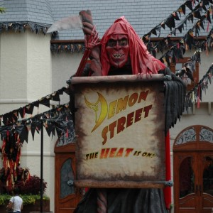 Howl-O-Scream - France - Demon Street - 2014